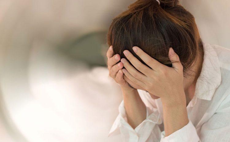 Campaña gratuita de consejería virtual para apoyar a personas con estrés, ansiedad y problemas de pareja